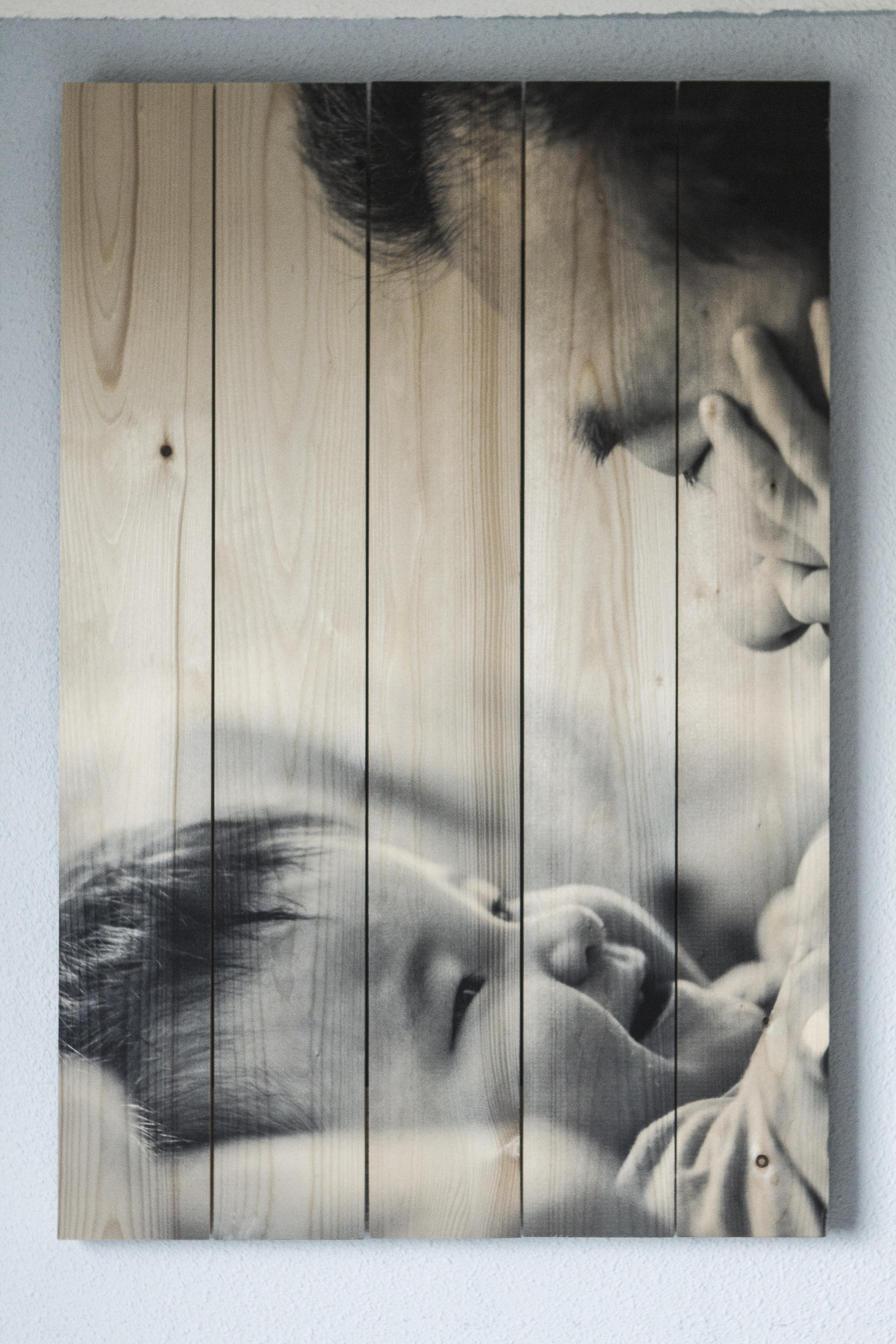 foto afgedrukt op houtblok